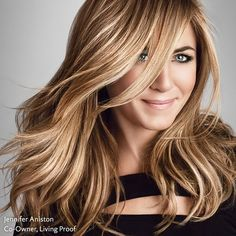 Jennifer Aniston Hair Color Formula with Oway Professional Hair Color. To achiev… - New Hair Design Professional Hair Color, Professional Hairstyles, Jennifer Aniston Hair Color, Hair Color Formulas, Celebrity Hair Colors, Great Hair, Celebrity Hairstyles, Hair Highlights, Color Highlights