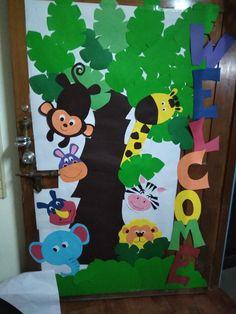 Jungle Theme Classroom, Jungle Theme Birthday, Classroom Decor, Jungle Crafts, Ladybug Crafts, Safari Party Decorations, School Decorations, Montessori Activities, Fun Activities For Kids