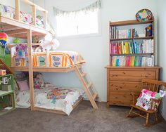 The Figgle Family's Cozy First Home - look at those bunks!! such a great idea!