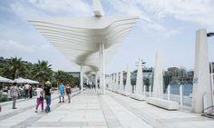 Muelle Uno es el enclave elegido para nuestro street style Opera House, Street Style, Building, Boat Dock, Cities, Elegant, Urban Style, Buildings, Street Style Fashion
