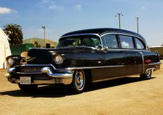 I'd like my last ride to be in style, enter the 1956 Cadillac Hearse. Vintage Cars, Antique Cars, Flower Car, Cadillac Fleetwood, Station Wagon, Ambulance, Amazing Cars, Cool Cars, Classic Cars