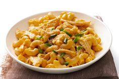 KRAFT HOMESTYLE BBQ Chicken Mac recipe - made this for dinner.it's yummy for a super quick dinner on a busy night.not very healthy though. Buffalo Chicken Recipes, Great Chicken Recipes, Bbq Chicken, Rotisserie Chicken, Chicken Ideas, Roasted Chicken, Turkey Recipes, Baked Chicken, Cooking Recipes