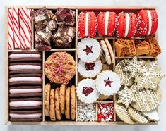christmas cookies gift Weihnachtspltzchen Sleigh your next cookie swap by making your own version of our Holiday Cookies 2018 cover star: an epic cookie box filled with holiday cookies and sweets. Christmas Cookie Boxes, Cookie Gift Boxes, Cookie Swap, Cookie Gifts, Christmas Sweets, Christmas Cooking, Noel Christmas, Christmas Goodies, Holiday Desserts