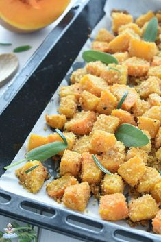 Zucca sabbiosa al forno - Cucina Serafina Veg Recipes, Italian Recipes, Healthy Recipes, Eating Light, Food Waste, Daily Meals, Vegan Dishes, Easy Cooking, Diy Food