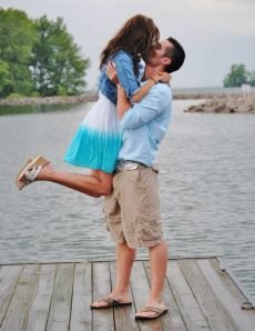 Insider Information for all the single guys out there . . . Don't Miss It! 10 Steps to Help You Win That Girl.