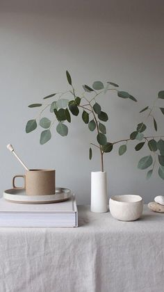 Home Interior Simple .Home Interior Simple Plant Aesthetic, White Aesthetic, Object Photography, Still Life Photography, Aesthetic Iphone Wallpaper, Aesthetic Wallpapers, Design Simples, Modernisme, Keramik Vase