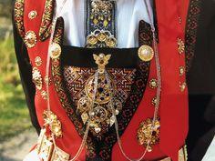 Bruredrakt frå Selsvik, Hardanger Folk Costume, Costumes, Norway, Jewlery, Anna, Dresses, Hardanger, Gowns, Jewerly