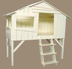 Lit cabane enfant Mathy by Bols. Il serait chouette pour notre petit Oscar, le prix est élevé mais peut-être est-ce possible d'en faire un soi-même...