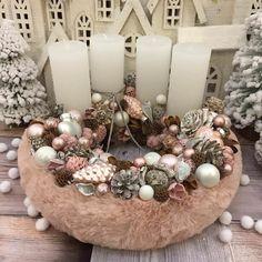 Adventi koszorúk és még sok más - Villa Majolika Winter Christmas, Christmas Wreaths, Christmas Decorations, Xmas, Table Decorations, Holiday Crafts, Holiday Decor, Christmas Candle Holders, Advent Wreath