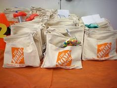 construction goodie bags.....cute!! I think i'll have a construction birthday party just to hand out these!!