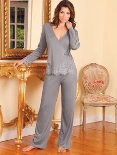 Call them pajamas or PJs, at Schweitzer Linen you will call them spectacular. This eye-opening collection is an astonishing array of fashion looks. Sleepwear Women, Pajamas Women, Lingerie Sleepwear, Lingerie Set, Women Lingerie, Sleepwear & Loungewear, Ropa Interior Babydoll, Mode Ulzzang, Luxury Nightwear