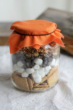 Mixes in a Jar - Cookies, Soup, Dessert - Great Homemade Gift - Include the Recipe