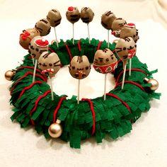Homemade Pusheen christmas cake pops <3
