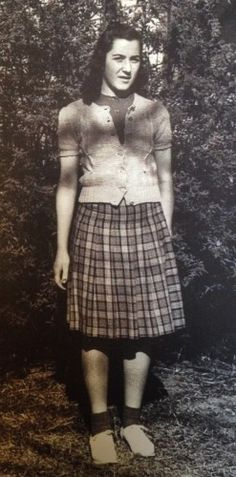 1940s teenager fashion. The teen girl uniform of the 1940s was a pleated plaid skirt, snug fitting sweater over a blouse, white bobby socks and a pair of loafers or saddle shoes.