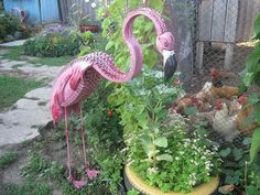 Flamingo From Old Tire Garden Decor Flamingo Art, Pink Flamingos, Garden Crafts, Diy Garden Decor, Garden Ideas, Garden Decorations, Decoration Crafts, Tired Animals, Tire Craft