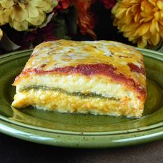 Chile Rellenos Casserole - I've been wanting chiles rellenos lately Mexican Dishes, Mexican Food Recipes, Great Recipes, Favorite Recipes, Easy Recipes, Easy Meals, Think Food, Love Food, Comida Latina