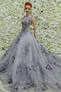 Barbie is always on the move, and now she can move in more ways than before! Barbie Gowns, Doll Clothes Barbie, Barbie Dress, Fashion Royalty Dolls, Fashion Dolls, Barbie Mode, Manequin, Barbie Wedding, Barbie Patterns
