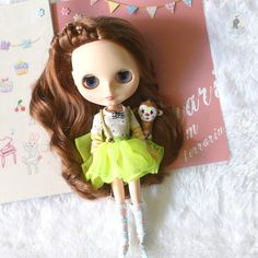 Green dress for Neo Blythe.