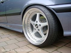 Felgengarage.de BMW e36 compact on OZ Mito wheels in 9,5x18 and 11x18 with 225/35-18 and 265/30-18