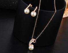 Pearl Jewelry Set Gold Color Necklace and Water Drop Earrings Pearl Jewelry, Pearl Necklace, Pearl Set, Water Drops, Jewelry Sets, Chokers, Pendants, Drop Earrings, Gold