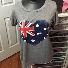 British heart t-shirt Perfect t-shirt for layering or throwing on and heading to catch some waves. Miss Popular Tops Tees - Short Sleeve