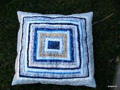 almohadón de orillos/selvages cushion