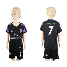 Real Madrid Fodboldtøj Børn 16-17 Cristiano Ronaldo 7 TRødje Trøje Kortærmet.  http://www.fodboldsports.com/real-madrid-fodboldtoj-born-16-17-cristiano-ronaldo-7-trodje-troje-kortermet.  #fodboldtrøjer