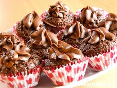 Mini Chocolate Cupcakes | Det søte liv