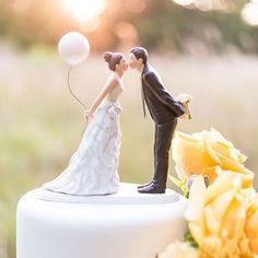Tortenfigur / Tortendekoration 'Brautpaar mit Ballon'