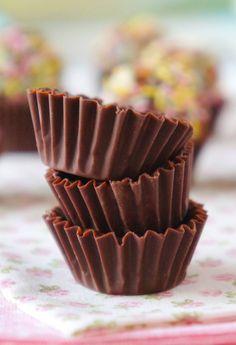 Dark Chocolate Cookie Butter Cups - The Foodwright Dark Chocolate Cookies, Chocolate Cups, Melting Chocolate, Homemade Peanut Butter Cups, Reeses Peanut Butter, Cute Desserts, Dessert Recipes, Biscuits, Sweet Treats