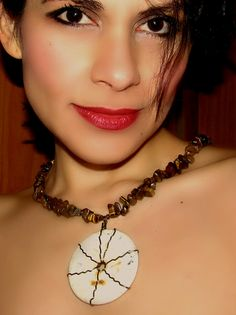 Collar Luna Lunera. #Collares #Necklace #MielesAccesorios #ComprasVirtuales #Valledupar #TalentoColombiano #Joyas #Bisuteria #Moda #Accesorios