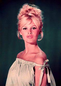 Bridget Bardot. Love the eyes, the hair, and the lipstick! Beautiful!