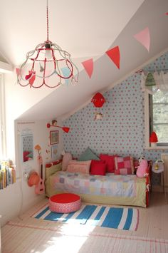 The cutest attic bedroom