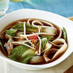 Vietnamese Beef-Noodle Soup with Asian Greens - Quick and Easy Soups and Stews for Dinner Tonight - Cooking Light Mobile Asian Recipes, Beef Recipes, Soup Recipes, Cooking Recipes, Healthy Recipes, Ethnic Recipes, Dinner Recipes, Asian Foods, Dinner Ideas