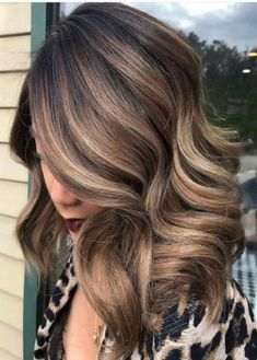 Hair Colours Trend 2019 For Women 18 - All For Hair Color Trending Brown Hair Shades, Brown Hair With Blonde Highlights, Brown Balayage, Light Brown Hair, Brown Hair Colors, Blonde Balayage, Hair Highlights, Hair Colours, Color Highlights