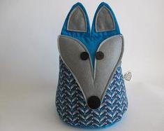 IHeartStitchingSA on Etsy Fox doorstop White Leaf, Blue And White, Geometric Owl, Doorstop, Fox Pattern, Owl Patterns, Cute Designs, Etsy Seller, Beige