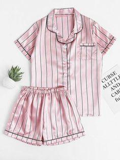 harajukus Drawing Tips drawful Black Girl Fashion, 90s Fashion, Retro Fashion, Autumn Fashion, Fashion Dresses, Fashion Looks, Fashion Tips, Satin Sleepwear, Satin Pyjama Set