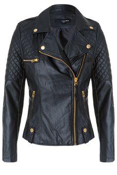 #fashionable #leather-liker #biker #jacket #TALLYWEiJL http://www.tally-weijl.net/p/clothing/schwarze-bikerjacke-in-leder-optik/sjapufaber-blk001?categoryId=21606