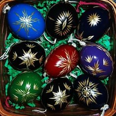 Straw eggs in a gift tin! Types Of Eggs, Fork Art, Egg Dye, Ukrainian Easter Eggs, African Tribes, Tin Gifts, Egg Decorating, Easter Crafts, Decoration