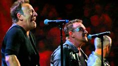 The perfect duo (The Boss and Bono) U2 & Bruce Springsteen - I Still Haven't Found What I'm Looking For (liv...