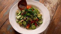 Poke de melon sur riz de chou-fleur Quebec, Saveur, Sprouts, Pickles, Cucumber, Vegetarian Recipes, Vegan, Vegetables, Salads