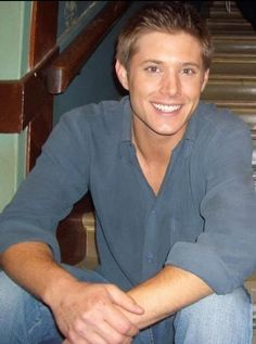 A bit younger. Posting for the hands. Really.......  #JensenAckles