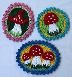 This crochet pattern will instruct you on how to crochet up my pattern – Mushroom Patches This is an applique pattern for patches in 3 different Crochet Home, Love Crochet, Crochet Motif, Crochet Yarn, Crochet Flowers, Crochet Patterns, Ravelry Crochet, Crochet Mushroom, Crochet Embellishments
