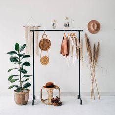 8 Minimalist Bedroom Decor Ideas by Etsy - Minimalism # Idea . - 8 Minimalist Bedroom Decor Ideas by Etsy – Minimalism - Boutique Interior, Minimalist Bedroom, Minimalist Decor, Minimalist Clothing, Minimalist Wardrobe, Minimalist Living, Modern Bedroom, Bedroom Hacks, Budget Bedroom