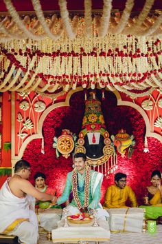 Reception Stage Decor, Wedding Stage Backdrop, Wedding Mandap, Wedding Entrance, Desi Wedding Decor, Wedding Aisle Decorations, Backdrop Decorations, Engagement Stage Decoration, Marriage Decoration