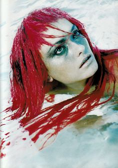 Vogue Italia December 1997, La posa come insidia  Laura Ponte by Javier Vallhonrat