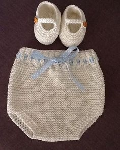 No photo description available. Baby Girl Crochet, Crochet Baby Booties, Kids Patterns, Baby Knitting Patterns, Crochet Bikini, Knit Crochet, Tricot Baby, Crochet Summer Tops, Culottes