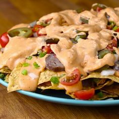Recipes For The Nacho Lover In All Of Us You can make exotic all natural meals. So Easy, So Delicious You can make exotic all natural meals. So Easy, So Delicious Tasty Videos, Food Videos, Le Diner, Bratwurst, Mets, Mexican Food Recipes, Nacho Recipes, Lunch Recipes, Love Food