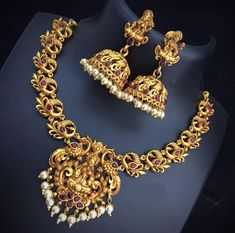 Aashkaanya is an Online Traditional Indian Imitation Jewelry Boutique. The new destination for your shopping hub. Explore all collection for new designs and more colors. Let's Show The World You Shine. Gold Temple Jewellery, Silver Jewellery Indian, Gold Jewellery Design, Silver Jewelry, Pearl Jewelry, Indian Necklace, Gold Earrings Designs, Necklace Designs, Fancy Earrings