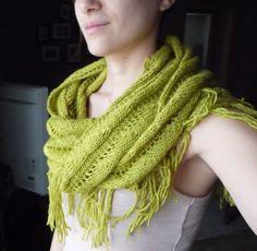 123 Boho Eternity Scarf - Knitting Patterns Blog from SweaterBabe.com